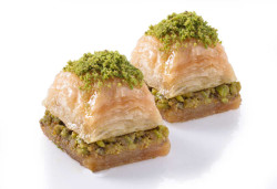 Karaköy Güllüoğlu Long Lasting Baklava with Pistachio - Thumbnail