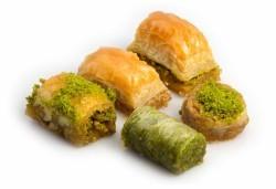 - Karaköy Güllüoğlu Mixed Baklava 2 kg