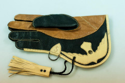 Turkish Falconry Equipment - The Falconry Glove 3